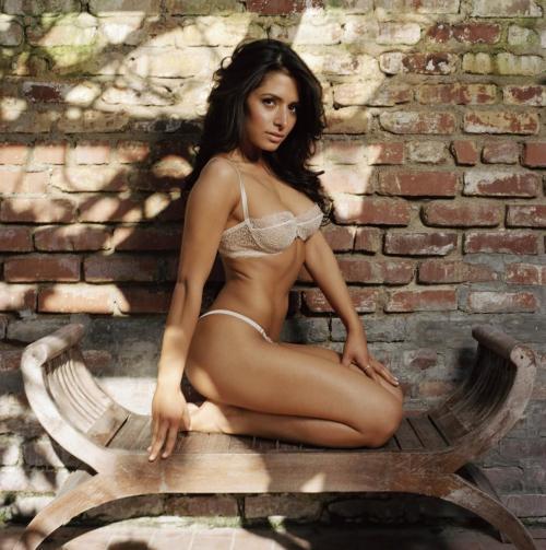 sexy-persian-sarah-shahi-in-hot-lingerie-photo-shoot-www-gutteruncensored-com-hot-1064804269
